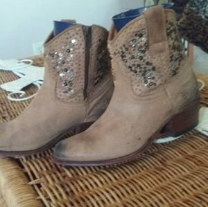 Frye Shoes - Ankle boots and free pair of B O C shoes size 6